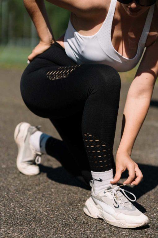 Korkeavyötaröiset muotoilevat leggingsit